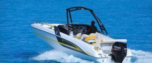 Barco fueraborda para wakeboard