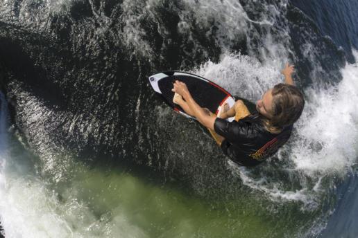 Competición de wakesurf